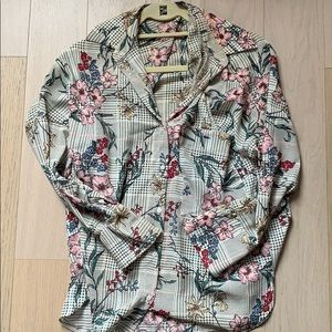 Floral Zara blouse with pocket